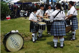 image of Twin Cities Pipe Band drum circle